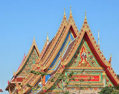 Photograph - Wat Kaeo Phaithun Hall Gables Dthb0846 by Gerry Gantt