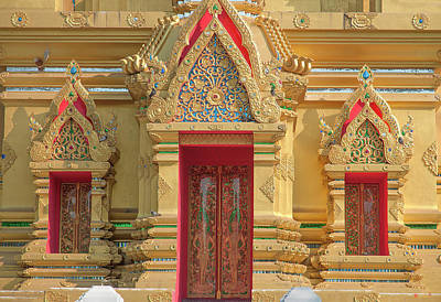 Photograph - Wat Kamat Phra Chedi Entrance And Windows Dthcm1503 by Gerry Gantt