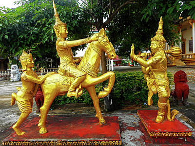 Photograph - Wat Krom Temple 11 by Ron Kandt