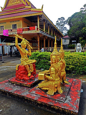 Photograph - Wat Krom Temple 12 by Ron Kandt