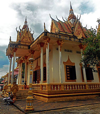 Photograph - Wat Krom Temple 35 by Ron Kandt