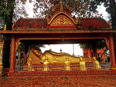 Photograph - Wat Krom Temple 5 by Ron Kandt
