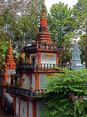 Photograph - Wat Krom Temple 8 by Ron Kandt