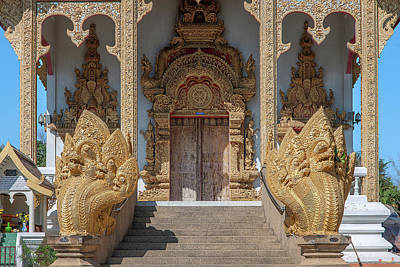 Photograph - Wat Kumpa Pradit Phra Wihan Entrance Dthcm1662 by Gerry Gantt