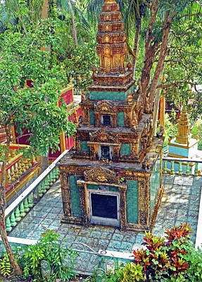 Photograph - Wat Leu Temple 9 by Ron Kandt