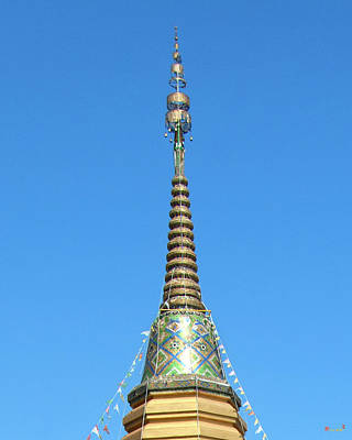 Photograph - Wat Mae Rim Phra Chedi Pinnacle Dthcm1275 by Gerry Gantt