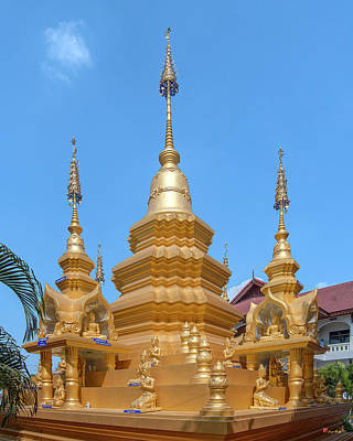Photograph - Wat Mae San Ban Luk Phra That Chedi Pinnacle Dthlu0200 by Gerry Gantt