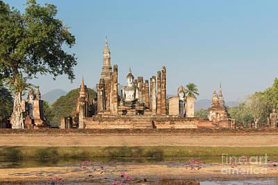Wat Mahatat, Sukhothai Historical Park, Sukhothai, Thailand Art Print by Roberto Morgenthaler