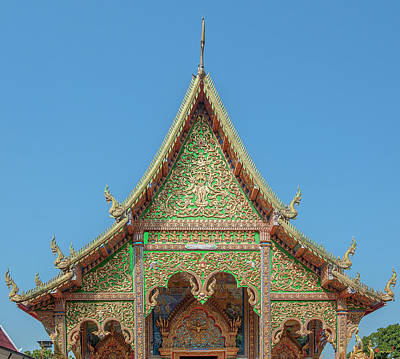 Photograph - Wat Mahawan Wihan Luang Gable Dthlu0268 by Gerry Gantt