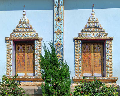Photograph - Wat Nam Lom Phra Wihan Windows Dthla0090 by Gerry Gantt