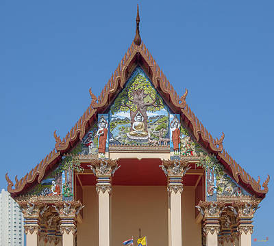 Photograph - Wat Pho Samphan Phra Ubosot Gable Dthcb0065 by Gerry Gantt