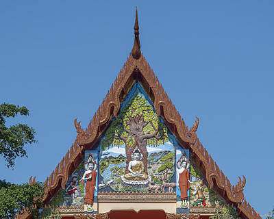 Photograph - Wat Pho Samphan Phra Ubosot Gable Dthcb0066 by Gerry Gantt