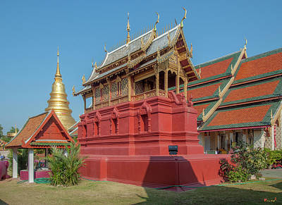 Photograph - Wat Phra That Hariphunchai  Ho Tham Dthlu0039 by Gerry Gantt