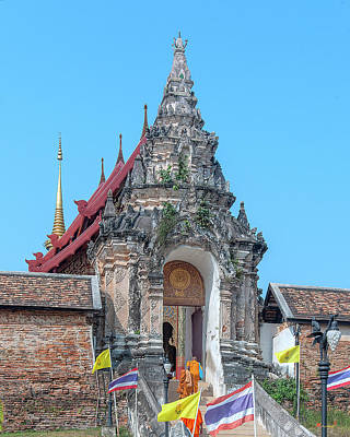 Photograph - Wat Phra That Lampang Luang Temple Gate Dthla0034 by Gerry Gantt