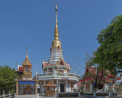Photograph - Wat Prachum Khongkha Shrines Dthcb0180 by Gerry Gantt