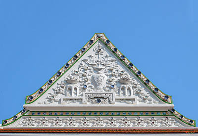 Photograph - Wat Ratcha Orasaram Meru Or Crematorium Gable Dthb0869 by Gerry Gantt