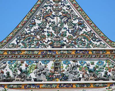 Photograph - Wat Ratcha Orasaram Phra Ubosot Gable Detail Dthb0428 by Gerry Gantt
