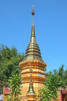 Photograph - Wat Sara Chatthan Phra That Chedi Pinnacle Dthcm1720 by Gerry Gantt