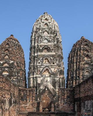 Photograph - Wat Si Sawai Center Prang Dthst0063 by Gerry Gantt