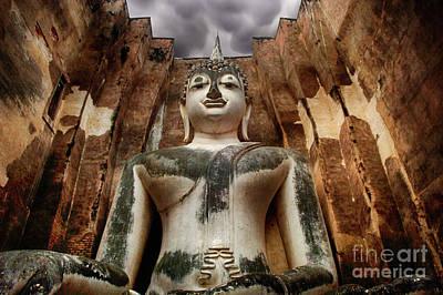 Photograph - Buddha Phra Atchana Wat Sri Chum Thailand by Bob Christopher