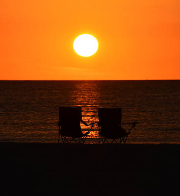 Photograph - Watching The Sunset by David Lee Thompson