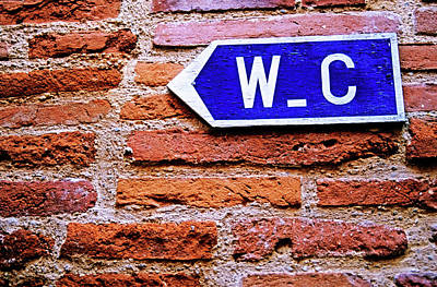 Directional Signage Photograph - Water Closet Sign On A Brick Red Wall by Sami Sarkis