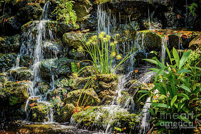Photograph - Water Falls by Les Greenwood