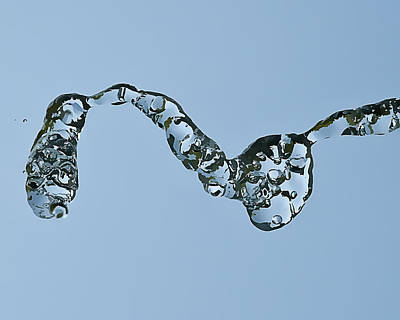 Water In Flight  II Art Print by Gareth Davies