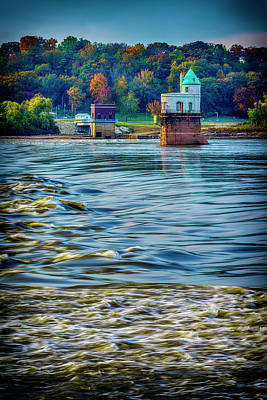 Photograph - Water Intake Tower -7r2_dsc2076_16-11-07 by Greg Kluempers