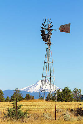 Water Pump Windmill In Central Oregon Farm Art Print by David Gn