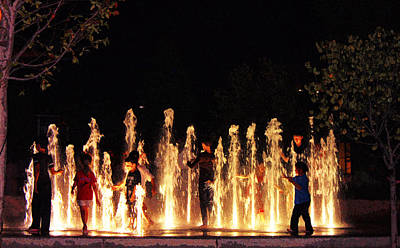 Photograph - Water Sprites Of Guthrie Green by Susan Vineyard