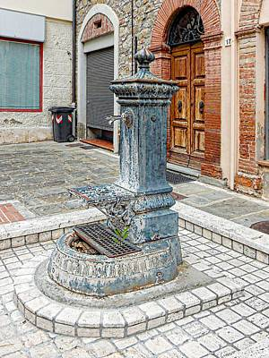 Photograph - Water Station Tavernelle Umbria by Dorothy Berry-Lound