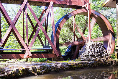 Photograph - Water Wheel by Ronald Hoehn