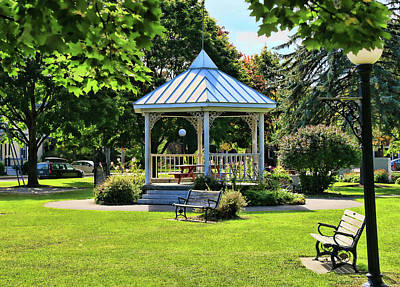 Photograph - Waterbury Town Square Gazebo by Allen Beatty