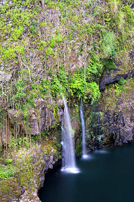 Photograph - Waterfall In Hawaii by Joe Belanger