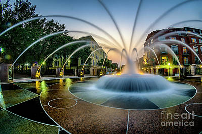 Photograph - Waterfront Park Fountain by David Smith