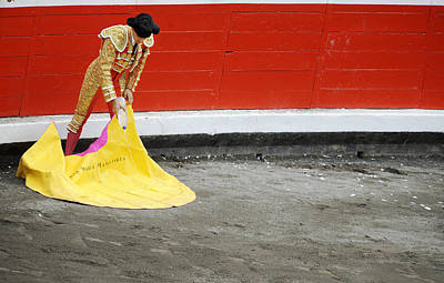 Torero Wall Art - Photograph - Watering The Capote by Rafa Rivas