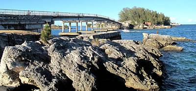 Rowing - Watford Bridge Bermuda by Ian  MacDonald