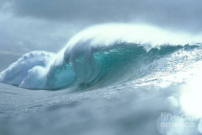 Wave And Spray Art Print by Vince Cavataio - Printscapes