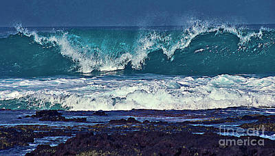 Wave Breaking On Lava Rock 2 Art Print