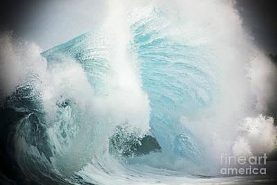 Wave Vignette Art Print by Vince Cavataio - Printscapes
