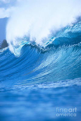 Wave With Whitewash Art Print by Vince Cavataio - Printscapes