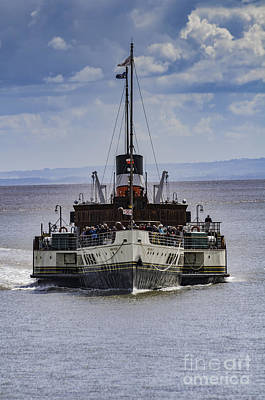 Photograph - Waverley Approaches by Steve Purnell