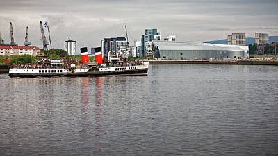 Photograph - Waverley Paddle Steamer Departing Glasgow by Alex Saunders