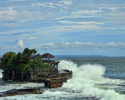 Photograph - Waves At Tanah Lot by Helen Worley