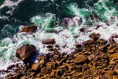 Waves Washing Up On Rocks Art Print by Garry Gay
