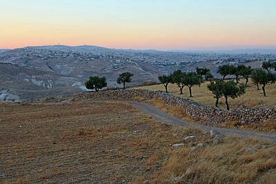 Photograph - Way To Jerusalem by Munir Alawi
