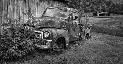 Photograph - Wears Valley 1954 Gmc B W Wears Valley Tennessee Art by Reid Callaway