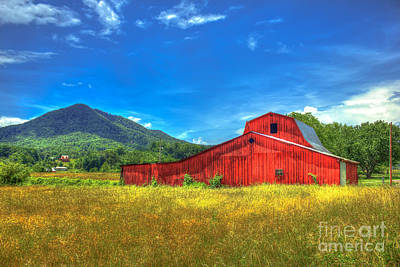 Pigeon Forge Photograph - Wears Valley Red Barn by Reid Callaway
