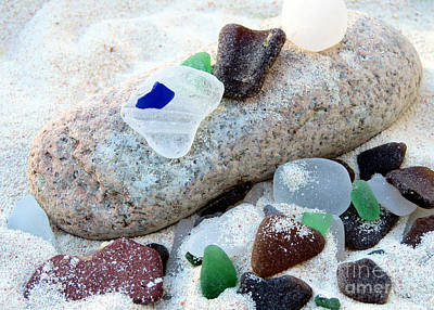 Photograph - Weathered Beach Gems by Janice Drew